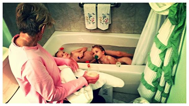Double Cherub Bath