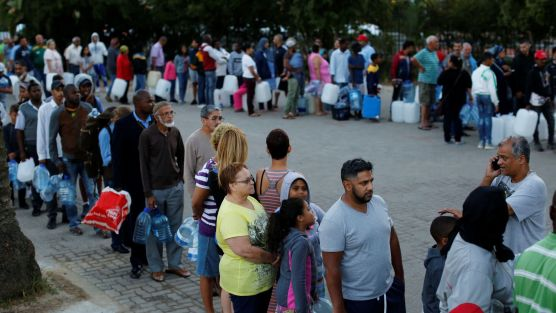 cape town water queue